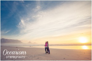 Beach engagement couple photography with Table Mountain
